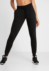 Cotton On Body - GYM TRACKPANT - Tracksuit bottoms - black - 0