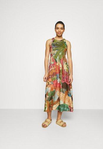 BEACH DESIRE DRESS