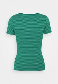 Marks & Spencer London - FITTED - T-shirts print - green - 1