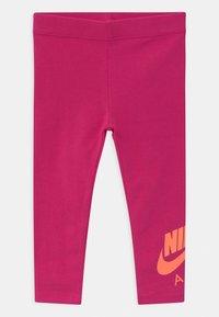 Nike Sportswear - AIR SET - Collegepaita - fireberry - 2