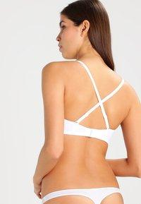 Skiny - DAMEN MULTI SCHALEN BH OHNE BÜGEL - Olkaimettomat/muut rintaliivit - white - 3