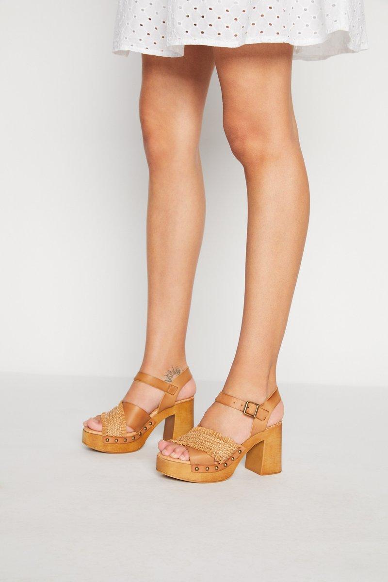 mtng - COYOTE - Sandały na platformie - tan