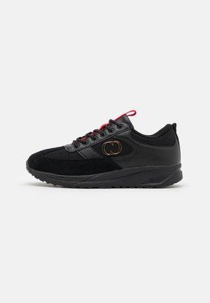 FORCE TRAINER - Sneakers laag - black