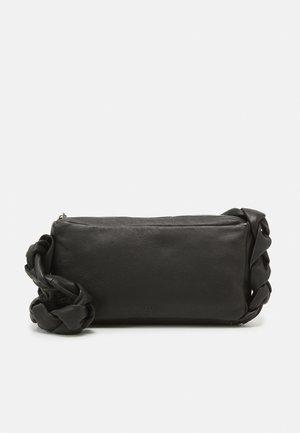 HOLLY WITH BRAIDED HANDLE - Handbag - black