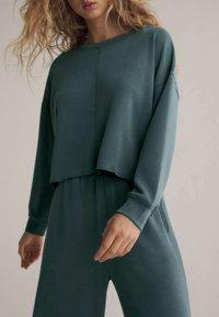 OYSHO - Trousers - green - 3