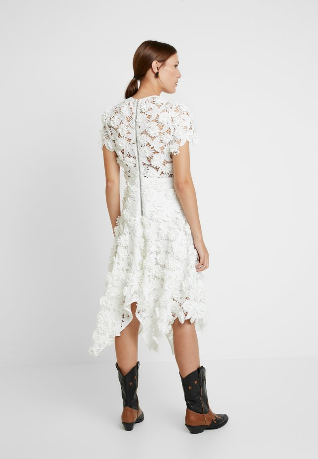THE GARDEN PARTY DRESS - Cocktail dress / Party dress - white