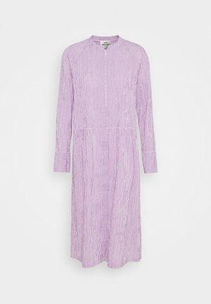 DUPINA - Korte jurk - purple/white