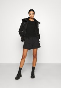 ONLY - ONLJANICE BONDED AVIATOR  - Faux leather jacket - black - 1