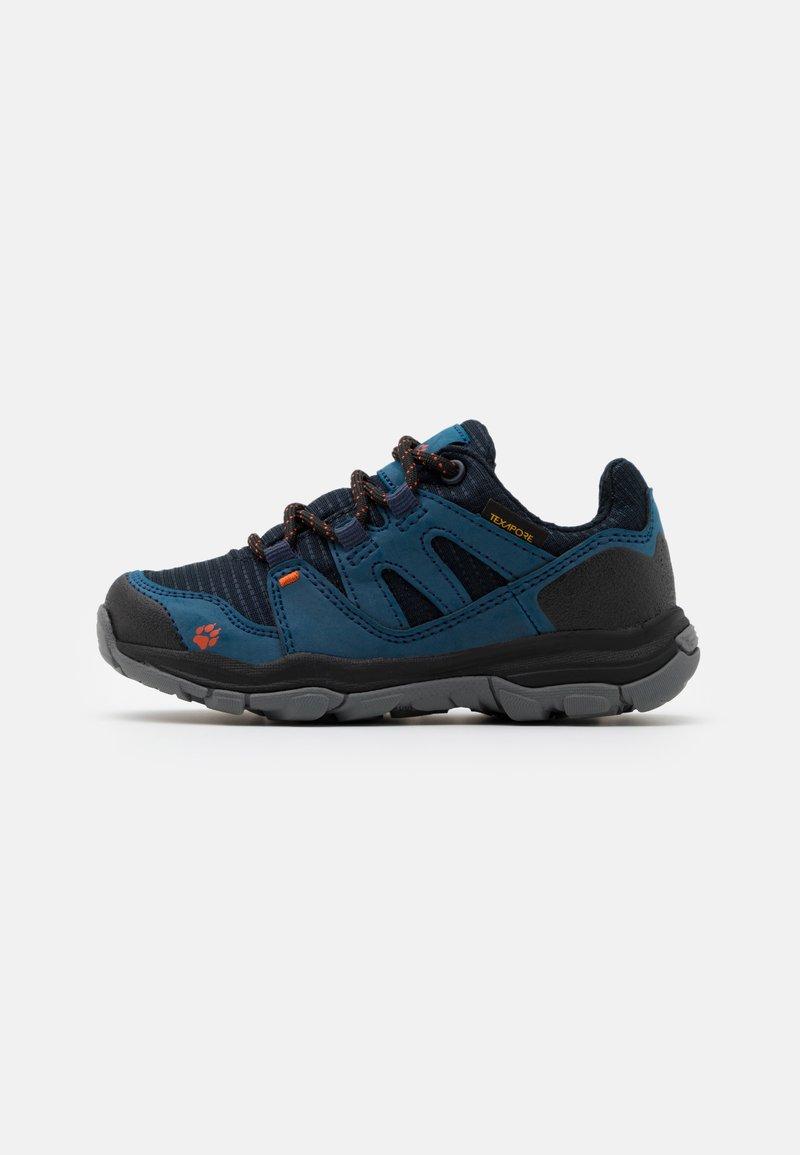 Jack Wolfskin - MTN ATTACK 3 TEXAPORE LOW UNISEX - Hiking shoes - dark blue/orange