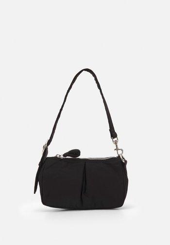 SAFF SHOULDER UPDATE - Across body bag - black