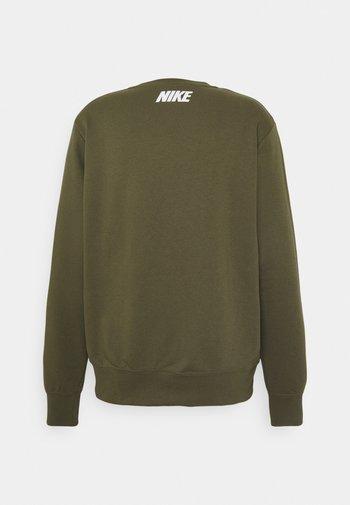 REPEAT CREW - Sweatshirt - medium olive