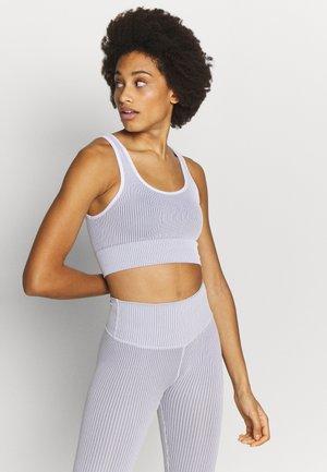 THE SEAMLESS BRA - Sports bra - white