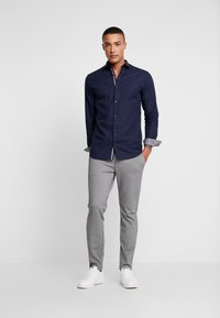 Jack & Jones PREMIUM - JPRVICTOR SLIM FIT - Shirt - navy blazer