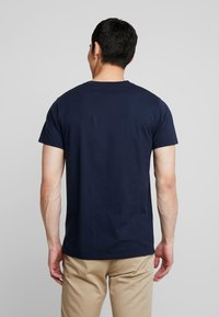 Hollister Co. - ICON VARIETY CREW  - Camiseta básica - navy with gold