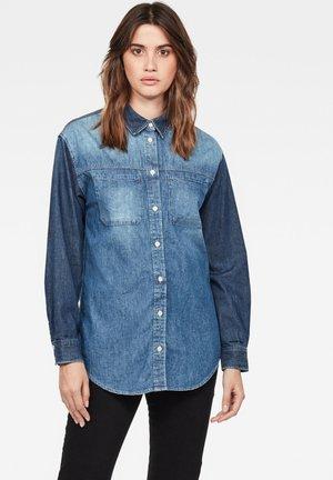 PAROTA BOYFRIEND - Button-down blouse - faded indigo