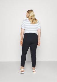 Lauren Ralph Lauren Woman - KESLINA PANT - Trousers - navy - 2