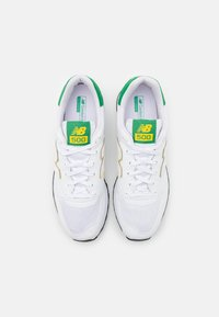 New Balance - GM500 - Matalavartiset tennarit - white/green - 3