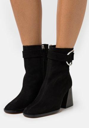 VEGAN INÉS - Classic ankle boots - black