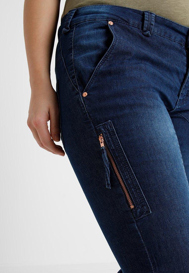 Zizzi CAPRI - Denim shorts - dark blue denim - Women's Clothing cUabi