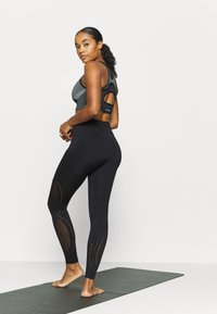 Even&Odd active - SEAMLESS - Trikoot - black - 2