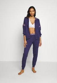 Emporio Armani - PANTS WITH CUFFSVISIBILITY ICONIC - Pyjama bottoms - indigo blue - 1