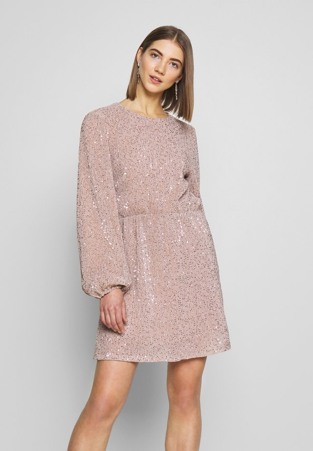BALLOON SLEEVE DRESS - Vestido de cóctel - lt pink