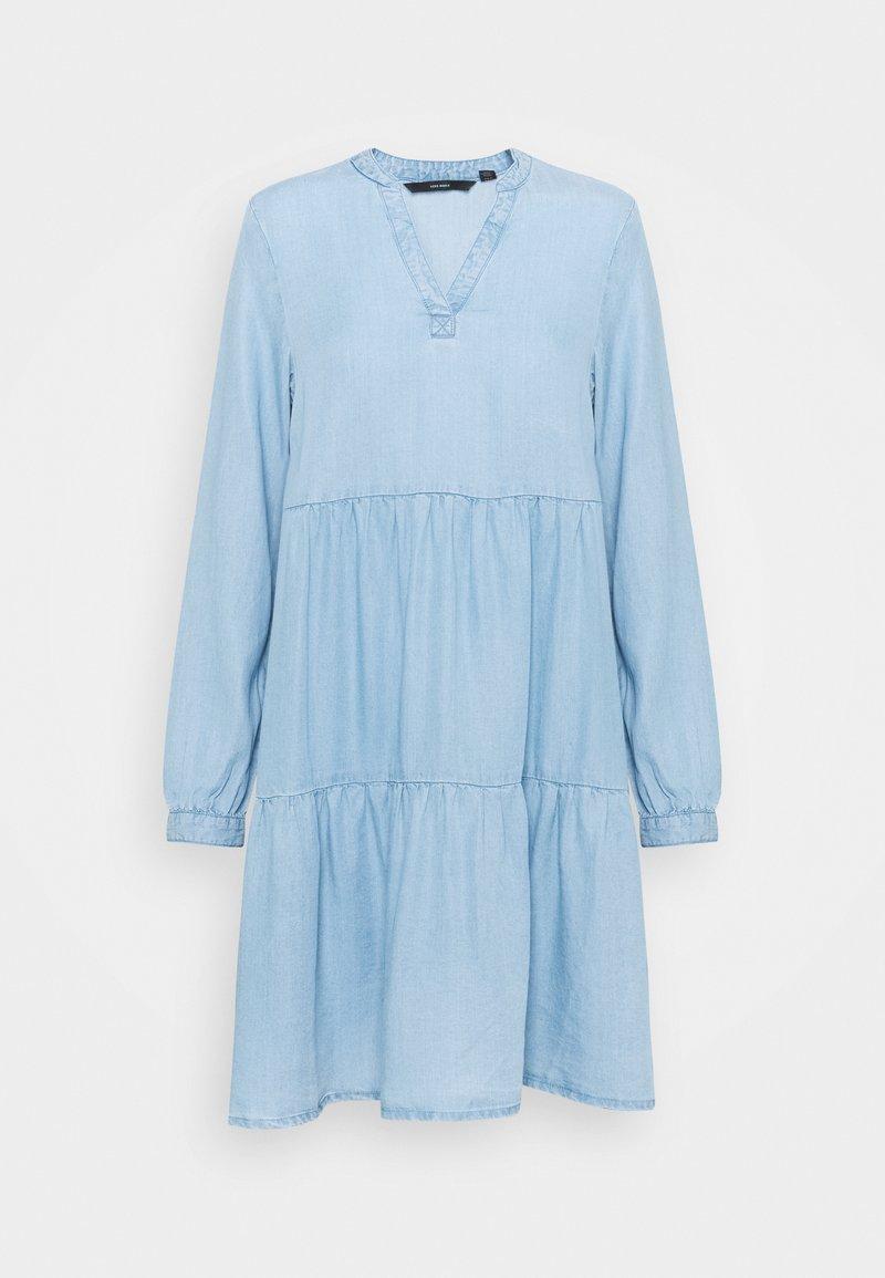 Vero Moda - VMVIVIANA SHORT TIERED - Denimové šaty - light blue