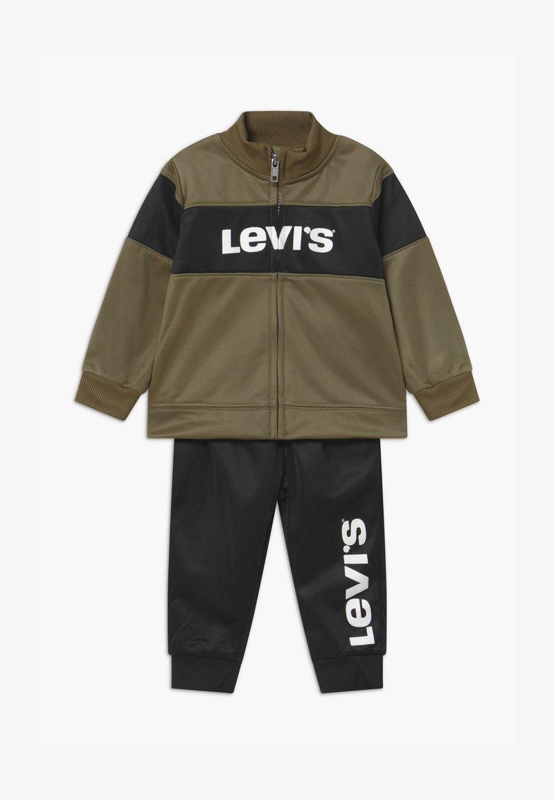 Levi's® - VERTICAL LOGO SET - Tepláková souprava - kalamata