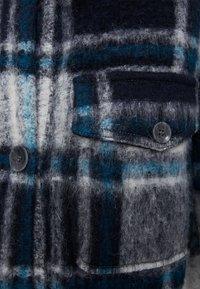 Bershka - Klasický kabát - blue - 5