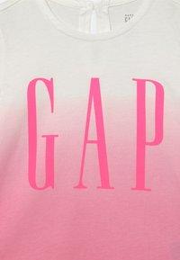 GAP - ARCH - Triko spotiskem - neon impulsive pink - 2