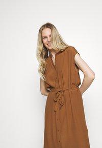 someday. - QUITO - Košilové šaty - roasted hazel - 3