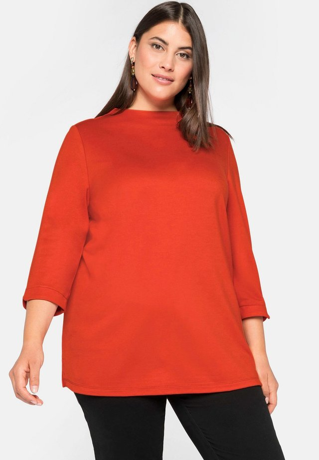 Pitkähihainen paita - rostorange