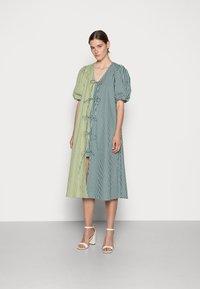 Résumé - FRANKIE DRESS - Day dress - green - 0