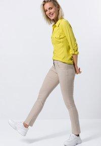 zero - Button-down blouse - yellow lime - 1