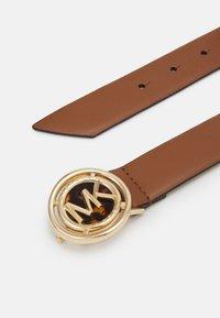MICHAEL Michael Kors - TORT BUCKLE BELT - Belt - luggage - 1