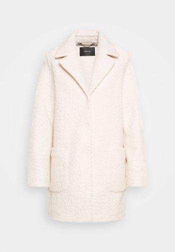 HIPA - Short coat - soft cream
