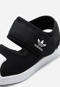 adidas Originals - SUPERSTAR 360 CONCEPT SPORTS INSPIRED SHOES - Sandály - core black/footwear white - 5