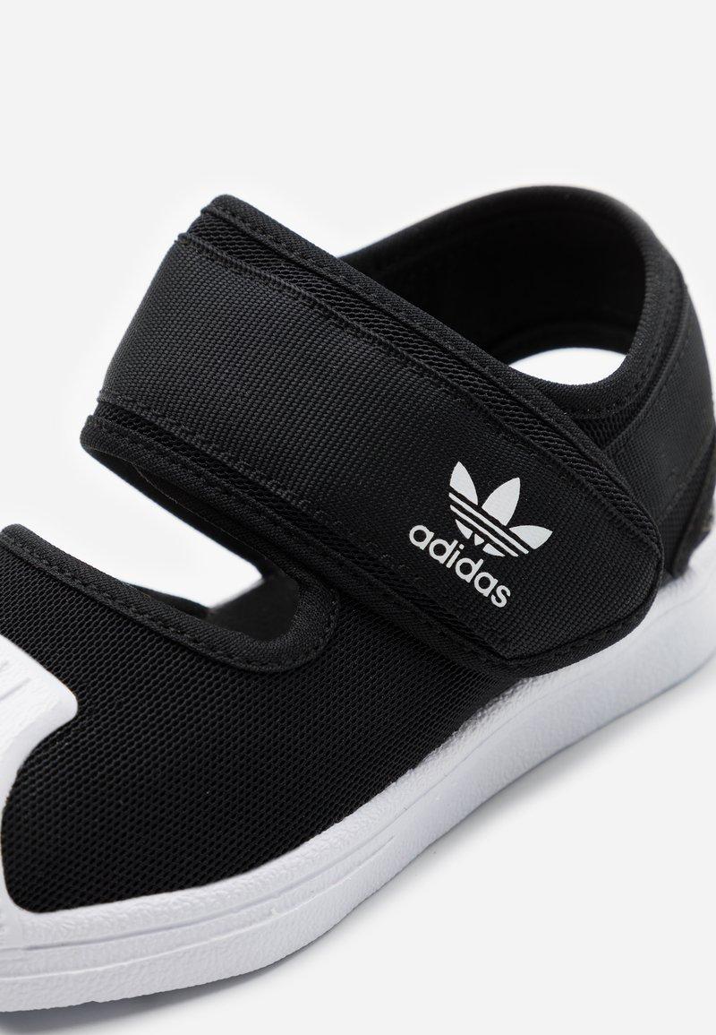 camarera respuesta brillo  adidas Originals SUPERSTAR 360 CONCEPT SPORTS INSPIRED SHOES - Sandalias -  core black/footwear white/negro - Zalando.es
