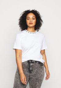 Calvin Klein Jeans Plus - PLUS LOGO TRIM TEE - Print T-shirt - white - 0