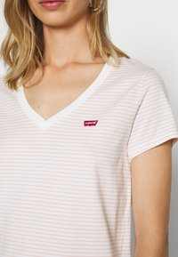 Levi's® - PERFECT V NECK - T-shirt basic - annalise/sepia rose - 5