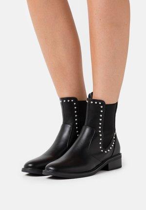 WIDE FIT BLANCA - Kotníkové boty - black