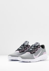 Nike Sportswear - EXPLORE STRADA - Sneakers basse - particle grey/iced lilac/off noir/white - 3