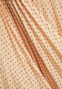 Closet - PLEATED MIDI SKIRT - A-line skirt - apricot - 4
