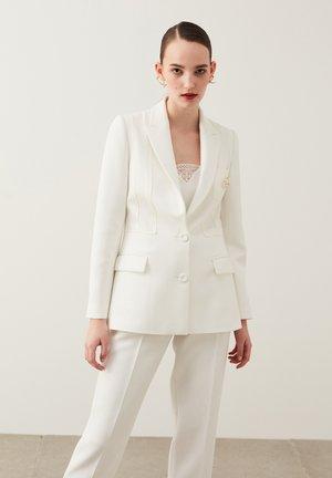 Blazer - off white