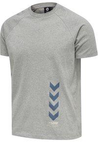 Hummel - CALEB - T-shirt med print - grey melange - 6