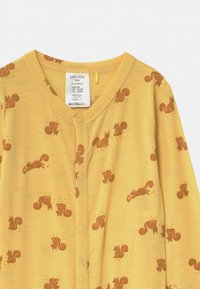 Lindex - ONESIES BABY SQUIRREL UNISEX - Pyjamas - dusty yellow - 3
