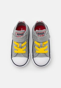 Converse - CHUCK TAYLOR ALL STAR  - Trainers - ash stone/university red/speed yellow - 3