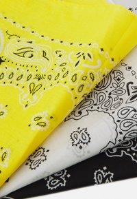 Urban Classics - BANDANA 3 PACK UNISEX - Skjerf - black/yellow/white - 5