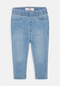 Levi's® - COLORBLOCK RAGLAN SET - Straight leg jeans - white - 2