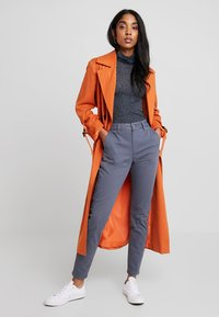 Selected Femme - SLFMEGAN - Chinos - ombre blue - 1